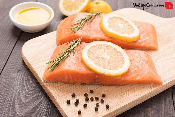 El consumo de aceite omega-3, presente en el pescado azul, se asocia a una función cardioprotectora.