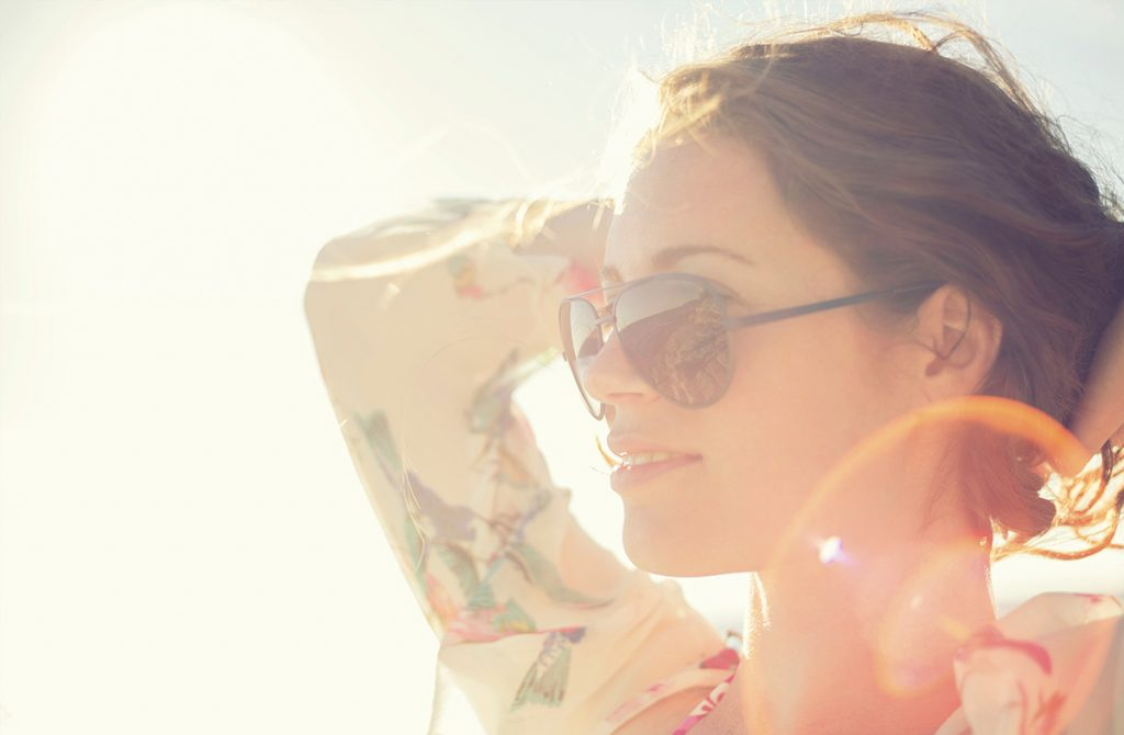 ¿Cómo protegerse del sol? 7 consejos para el verano y todo el año