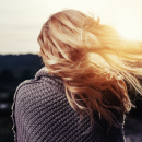¿Qué alimentos comer para mejorar y fortalecer tu cabello? ¡Descúbrelos!