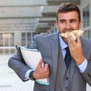 Hábitos tóxicos: cómo detectarlos y dejar de picar entre horas