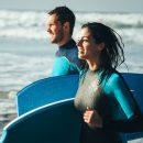 ¡Descubre los 4 deportes de moda de playa para este verano!