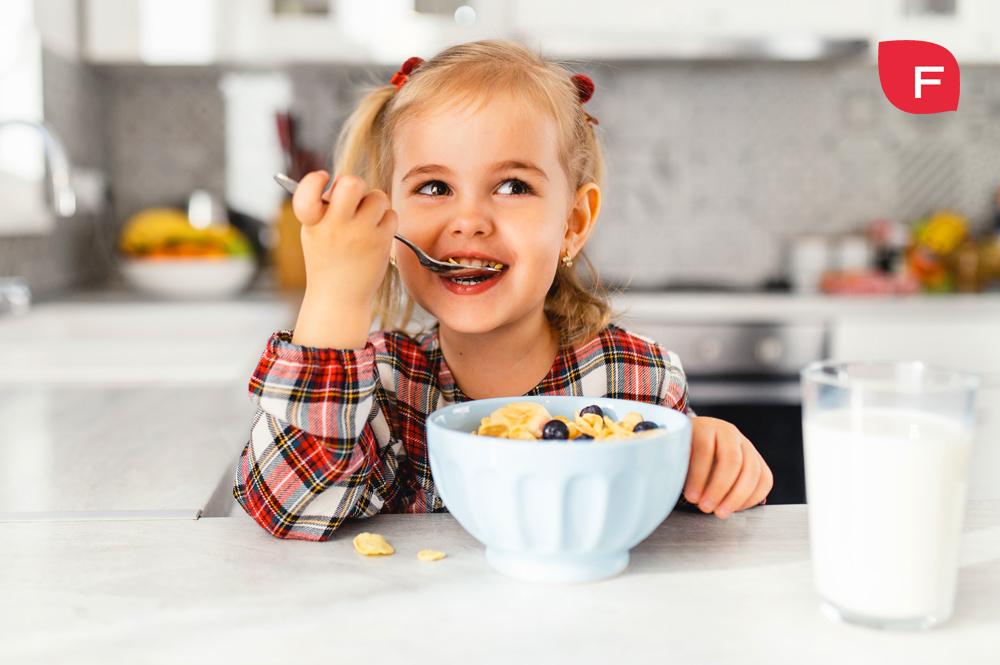 Meriendas saludables y divertidas para niños, ¿es posible?
