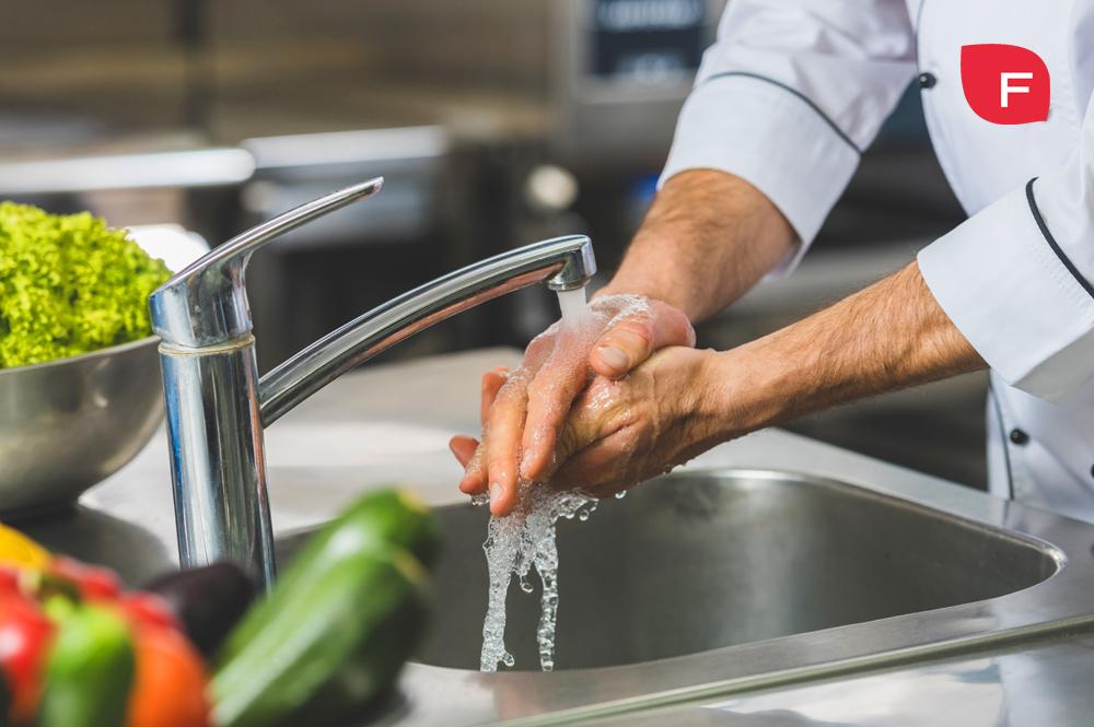 Lavar los alimentos antes de consumirlos, ¿es necesario?